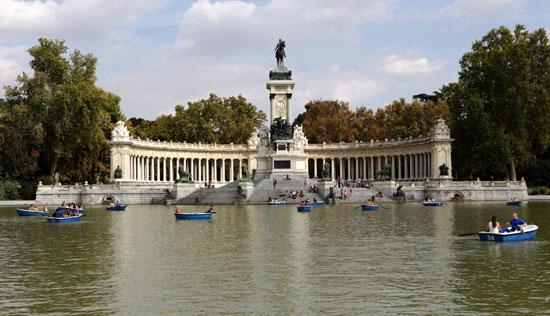 Madrid_Retiro-Monument-Alfonso XII