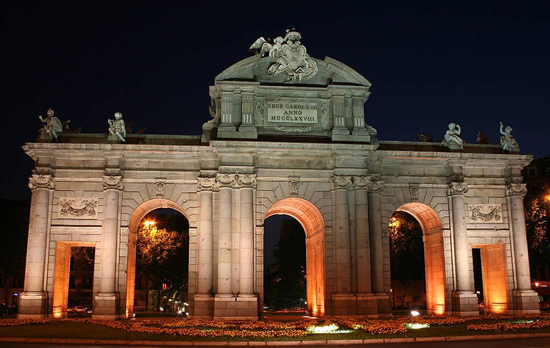 Madrid_monumenten-Puerta-de-Alcala.jpg