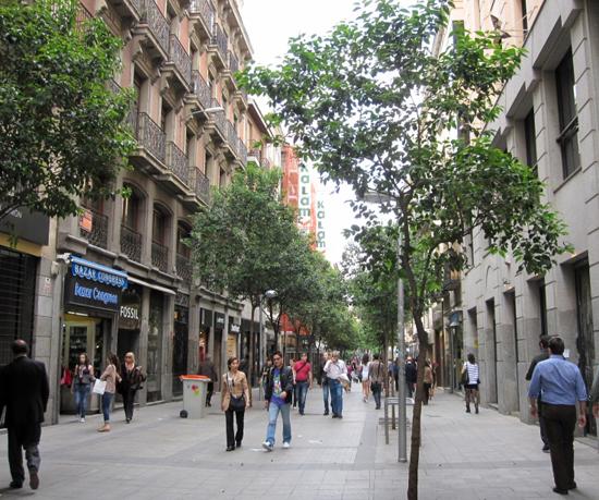 Madrid_winkelstraten-Calle-Fuencarral-g-.jpg